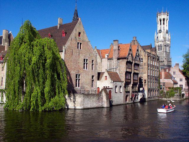 1024px-Brugge-CanalRozenhoedkaai