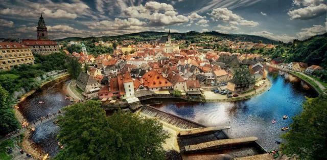 Cesky-Krumlov-–-Beautiful-Czech-Town